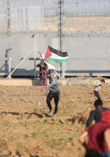 مواجهات بين الشبان وجنود الاحتلال شرقي غزة