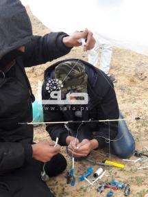 شبان يطلقون بالونات حارقة تجاه غلاف غزة