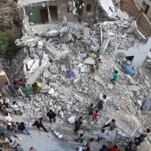 الاحتلال يهدم منازل 3 شهداء وأسير برام الله