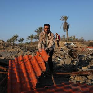 آثار القصف لمناطق ادعى الاحتلال أنها للمقاومة بغزة