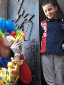 مهرجون يتطوعون للترفيه عن أطفال رفح بظل كورونا