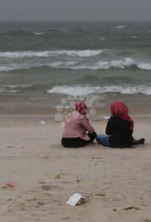 تنزه المواطنين على شاطئ بحر غزة