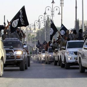 مصر تقصف مواقع لداعش بليبيا