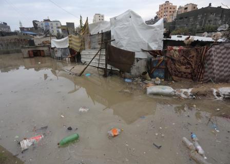 غرق منازل مواطنين في غزة بمياه الأمطار