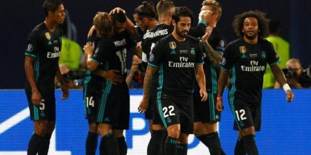 مارسيلو مع لاعبي ريال مدريد