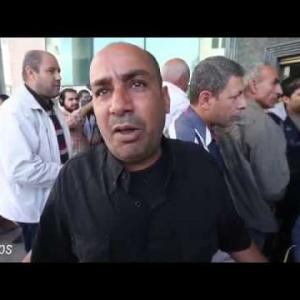 سخط على قرار عباس بشأن تقاعد ألآف العسكريين في قطاع غزة