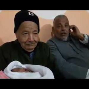 ثمانيني من خان يونس يرزق بطفلة