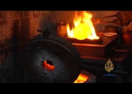 شاهد من غزة، كيف يُصنع الذهب ؟