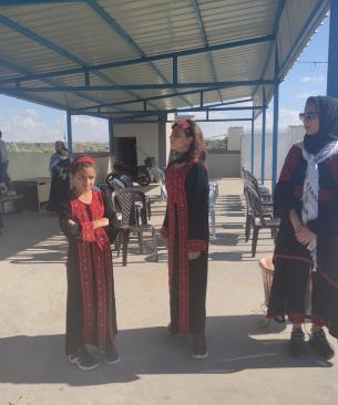 أطفال المحررة أبو كميل في انتظارها