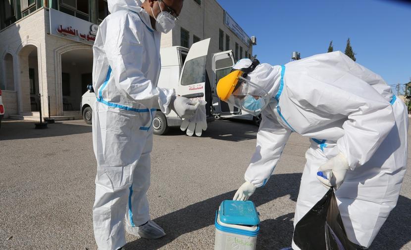 وفاتان و135 إصابة جديدة بفيروس كورونا بالضفة وغزة