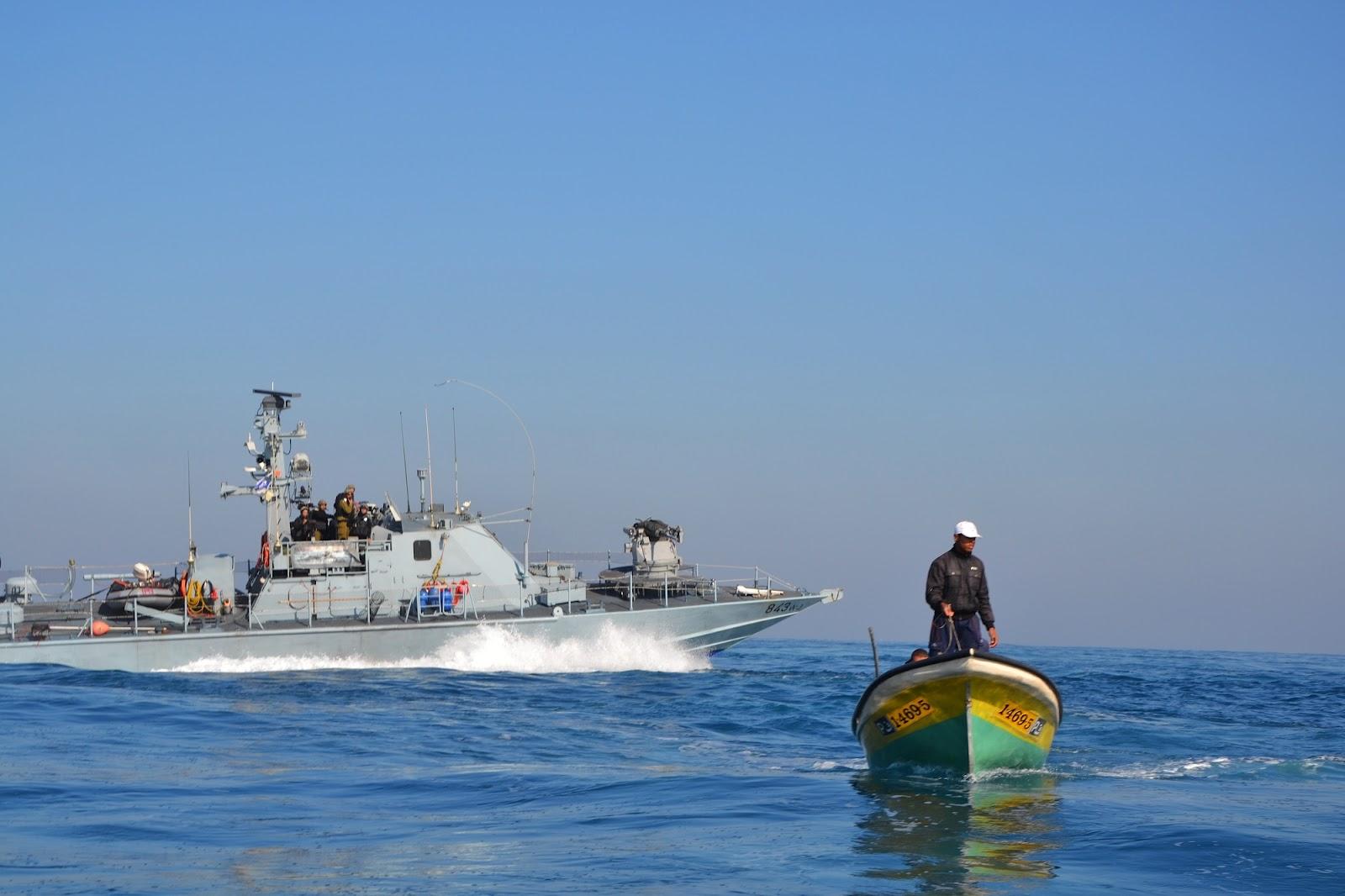 وكالة الصحافة الفلسطينية - نقابة الصيادين: أحد الصيادَين المعتقليَن ببحر غزة أمس مصاب