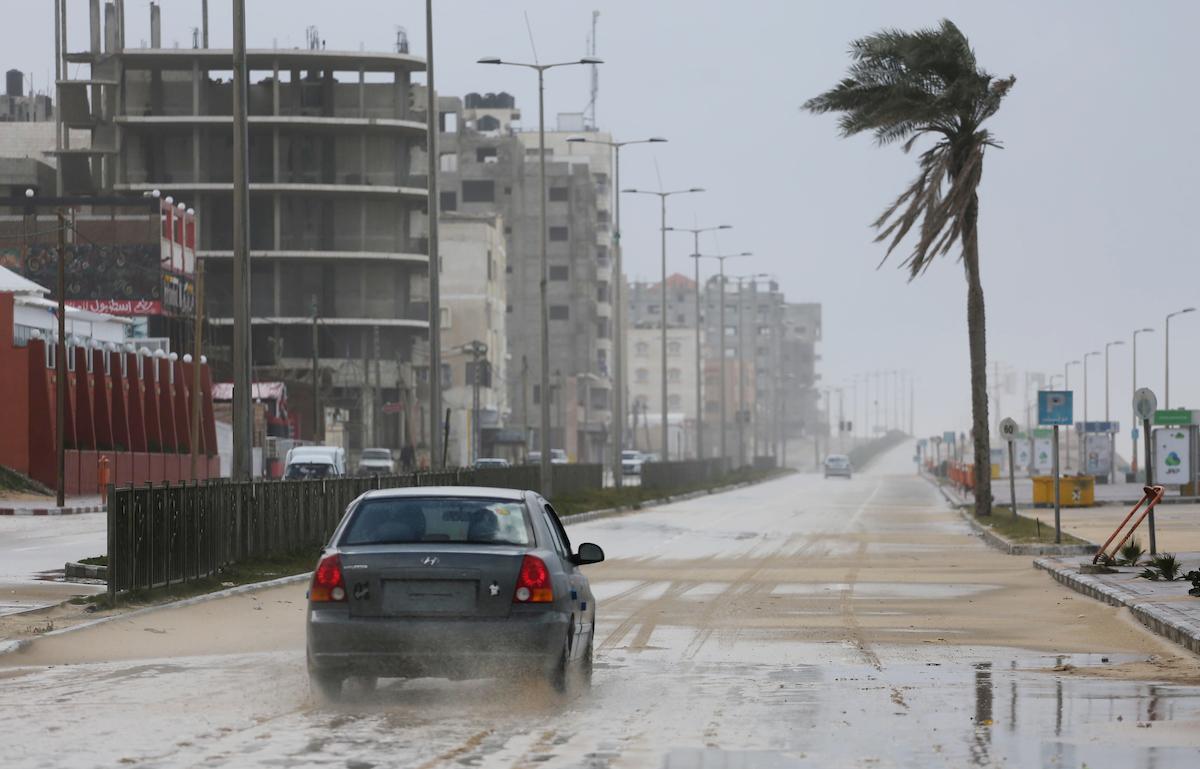 وكالة الصحافة الفلسطينية - جهود لمواجهة طوارئ الشتاء بمدينة غزة